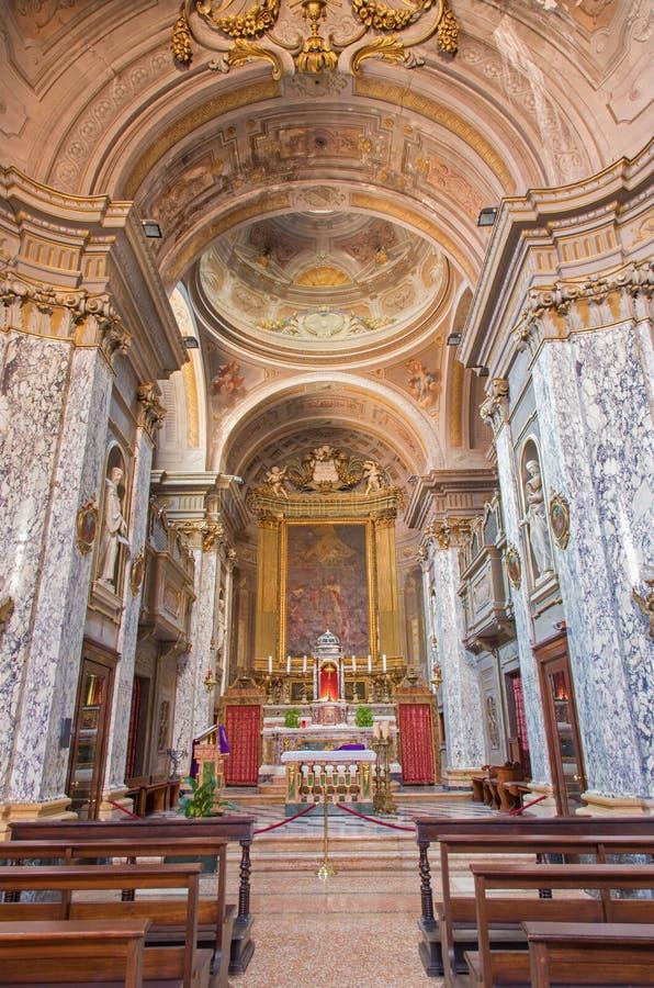 Bologna - interno del san barrocco Mary Magdalene o Santa Maria Maddalena della chiesa dall'architetto Giovanni Piccinini. dal cen fotografia stock libera da diritti
