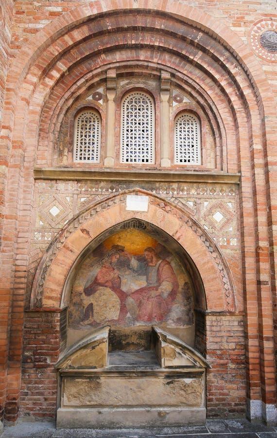 Bologna, Italie - Jesus Crowning Mary Fresco image stock