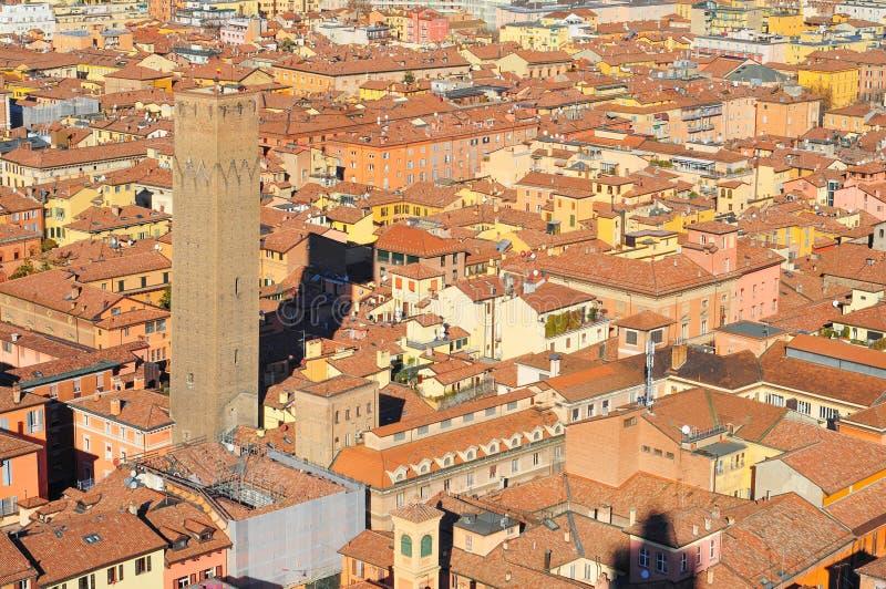 Bologna-Italien-Vogelperspektive von Marktplatz maggiore gesehen von Asinelli-Turm lizenzfreie stockfotografie