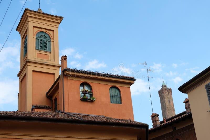 Bologna, kościelny Albari i widok dwa, górujemy obraz royalty free