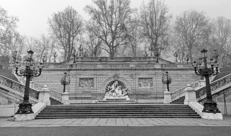 Bologna - la fontana della crisalide e dell'ippocampo in parco - della Montagnola di Parco da Diego Sarti (1896) fotografia stock libera da diritti