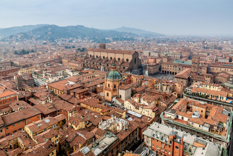 Bologna od Asinelli wierza fotografia stock