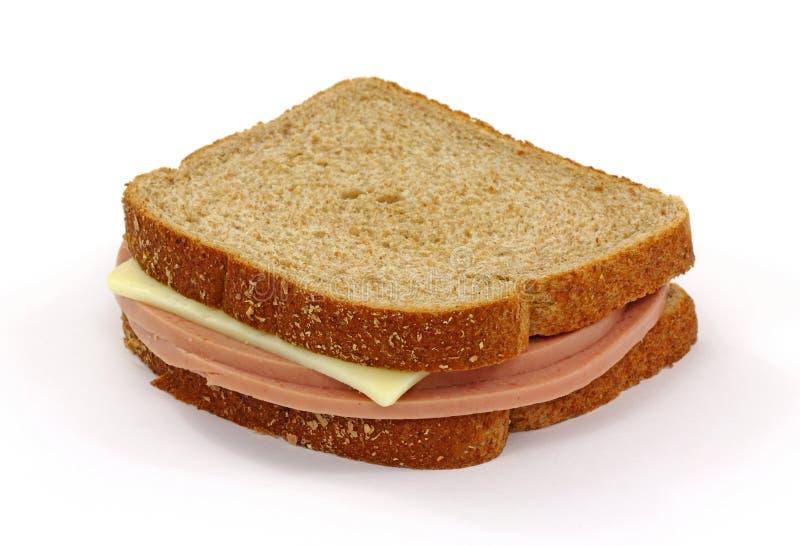 Bologna-und Käse-Sandwich auf Weiß stockfoto