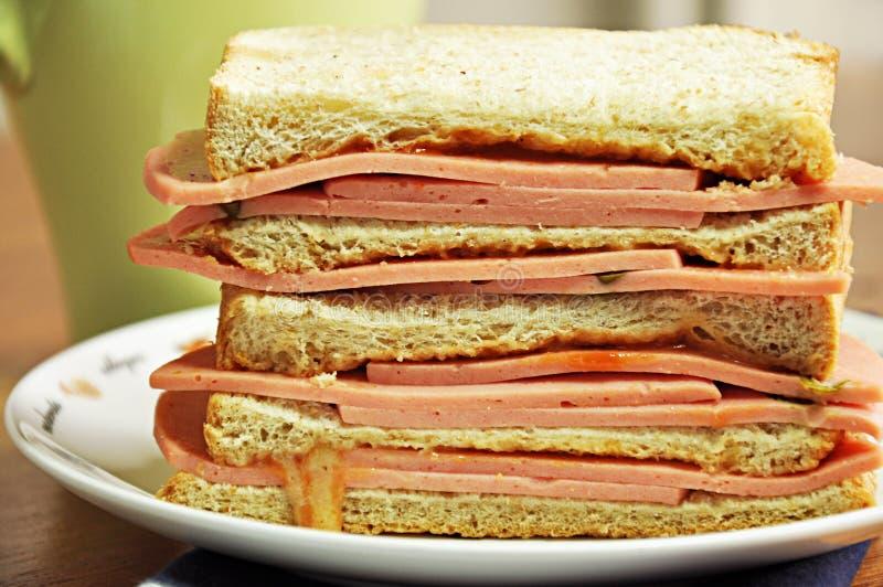 Bolognasmörgås royaltyfria bilder