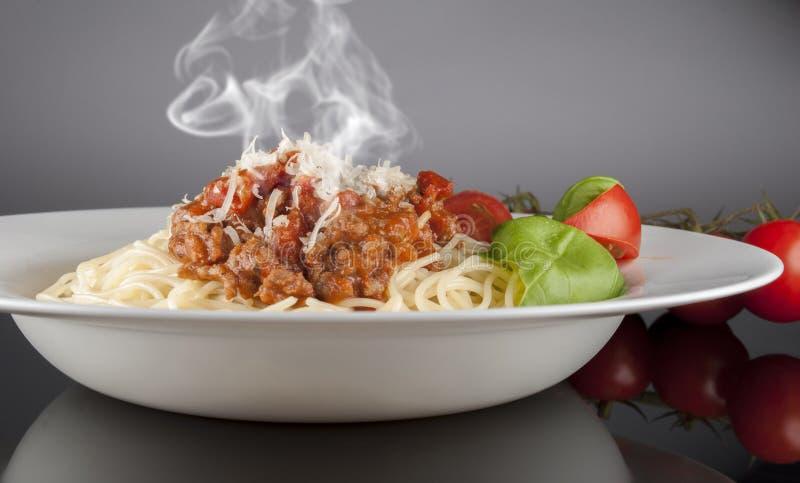 Download Bolognese спагетти стоковое изображение. изображение насчитывающей итальянско - 40580175