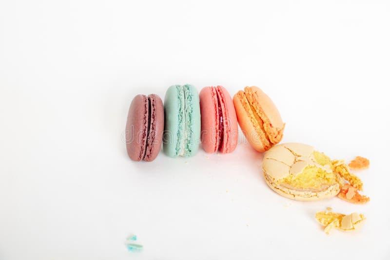 Bolos coloridos dos macarons Bolos pequenos do francês imagem de stock royalty free