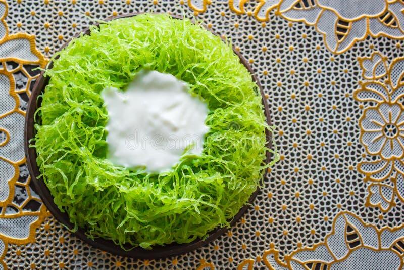 Bolos da linha da gema do ouro ou bolo Foi Tong Lava Cake imagens de stock