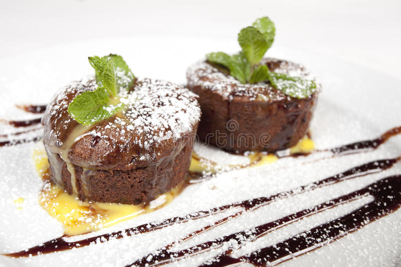 Bolos de chocolate foto de stock royalty free