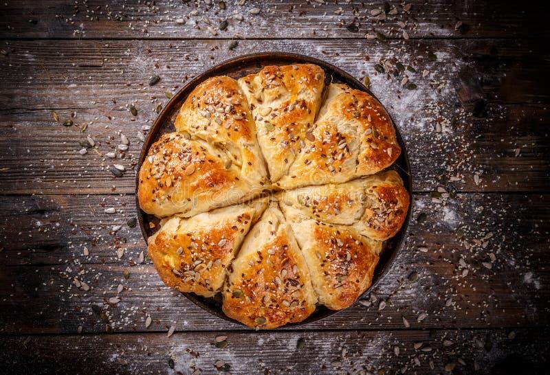 Bolos do pão com várias sementes fotos de stock royalty free