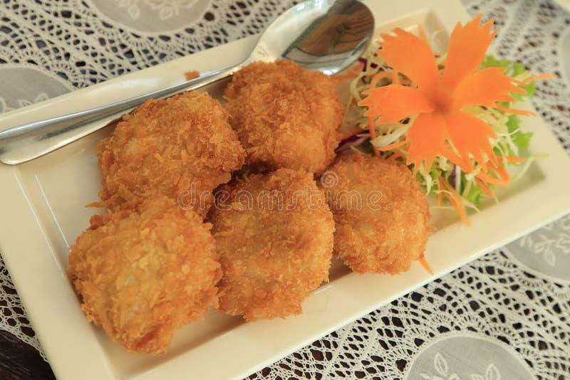 Bolos fritados do camarão, receita tailandesa do alimento fotos de stock royalty free