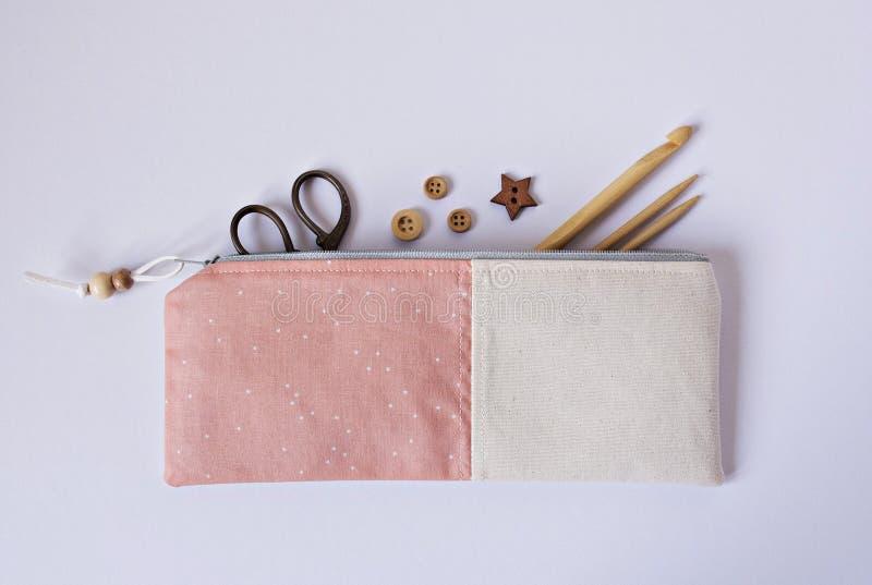 Bolsa coralina hecha a mano de la noción de la tela imagen de archivo libre de regalías