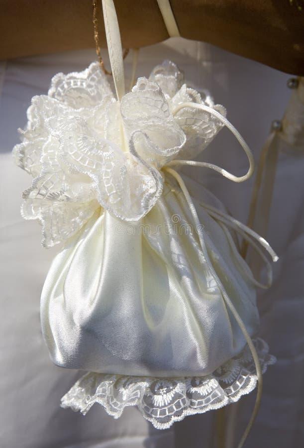 Bolsa do casamento da noiva imagens de stock royalty free