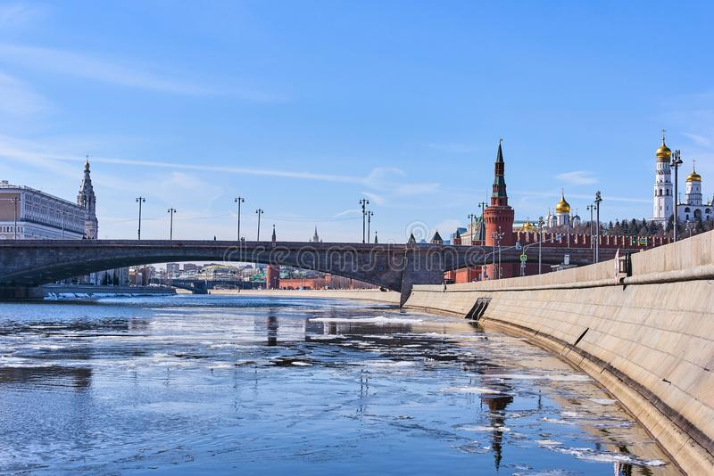 Bolshoy Moskvoretsky Bridge with Kremlin winter view in Moscow, royalty free stock image