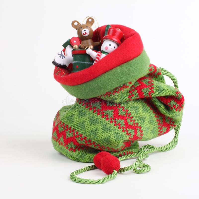 Bolso de la Navidad con los regalos foto de archivo libre de regalías