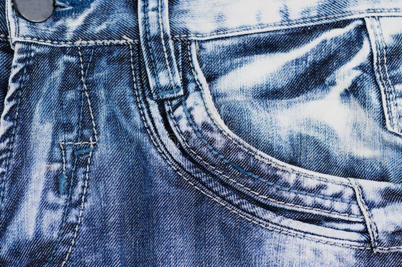 Bolso vazio dianteiro na calças de ganga imagens de stock royalty free