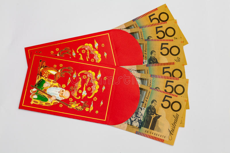 Bolso vermelho com dinheiro australiano para dentro foto de stock royalty free