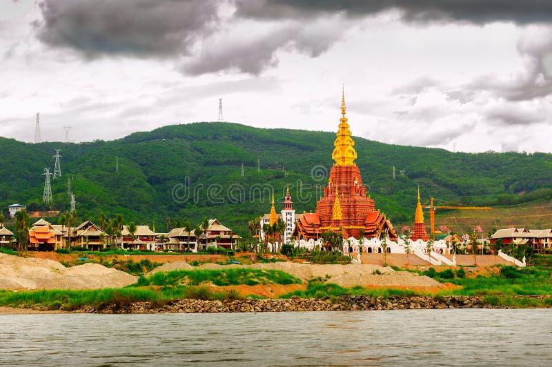 Bom cenário de Lancang River foto de stock