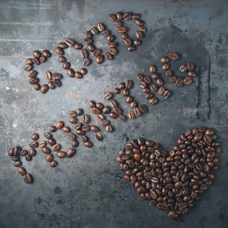 Bom dia, coração dos feijões de café fotografia de stock royalty free