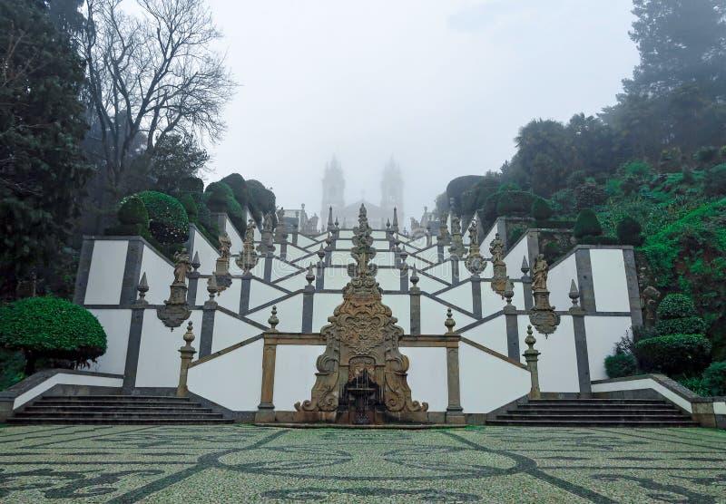 BOM Jesús, Braga, niebla fotos de archivo