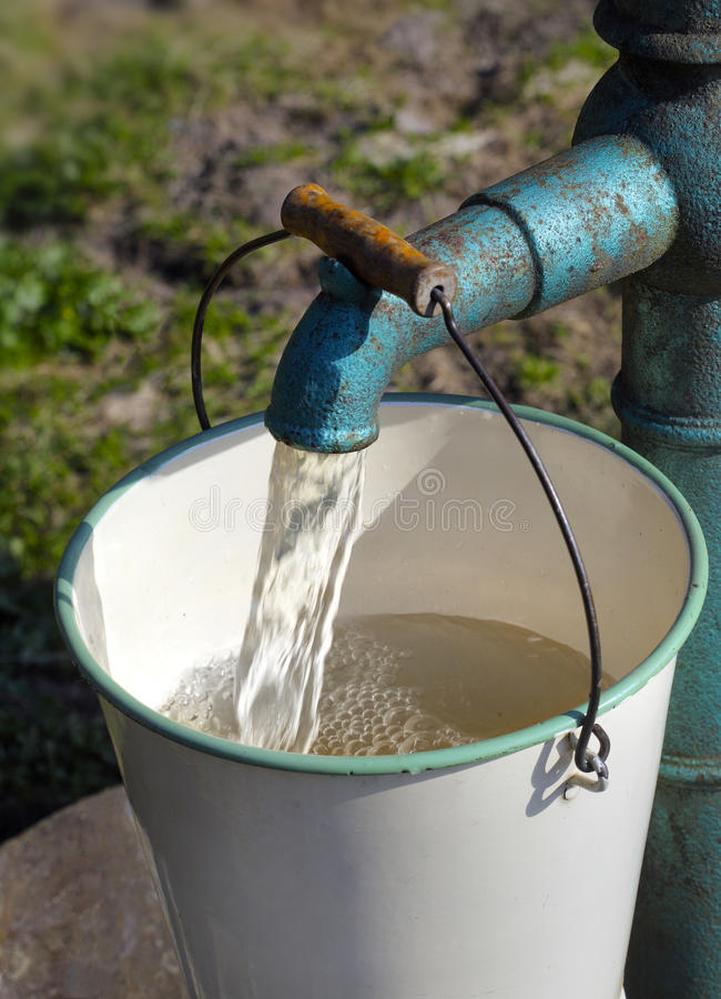 Bomba de água imagens de stock royalty free