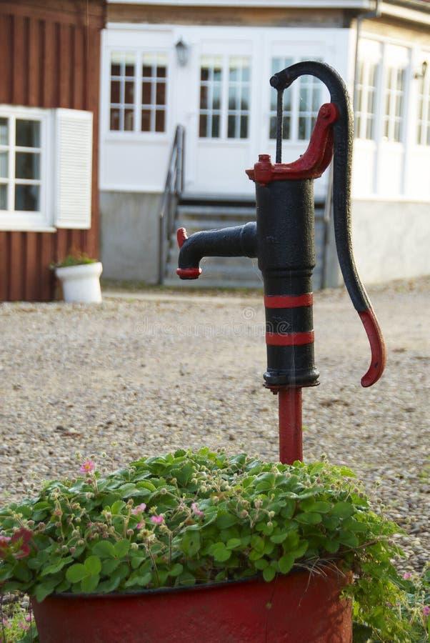 Bomba de água boa fotografia de stock