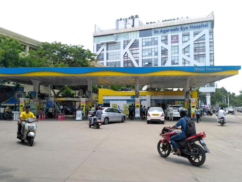 Bomba de gasolina na Índia foto de stock royalty free
