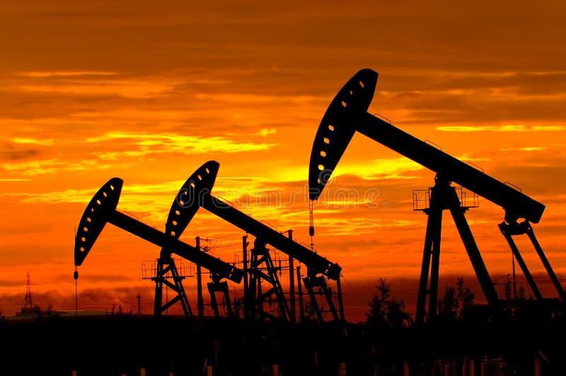 Bomba de petróleo imagem de stock
