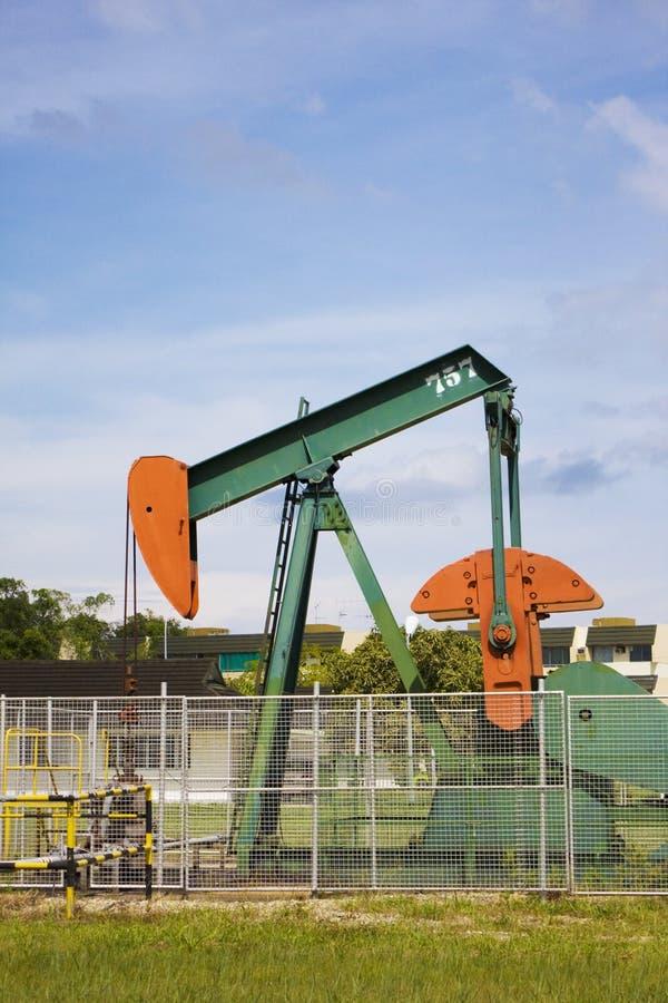 Bomba de petróleo em Seria, Brunei foto de stock