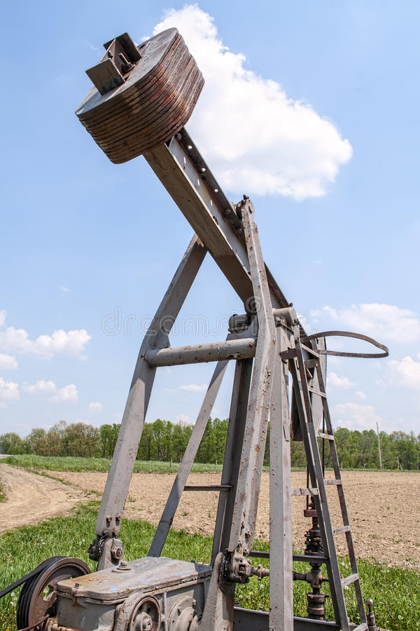 Bomba de poço de petróleo, equipamento imagens de stock royalty free
