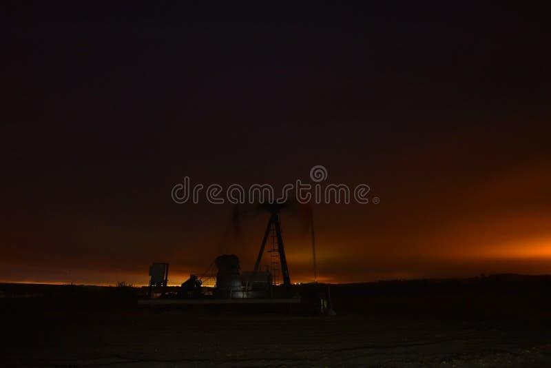 Bomba de poço de petróleo de trabalho Jack fotos de stock