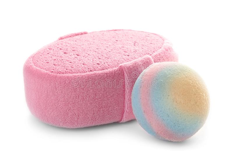 Bomba rosa del bagno e della spugna fotografia stock