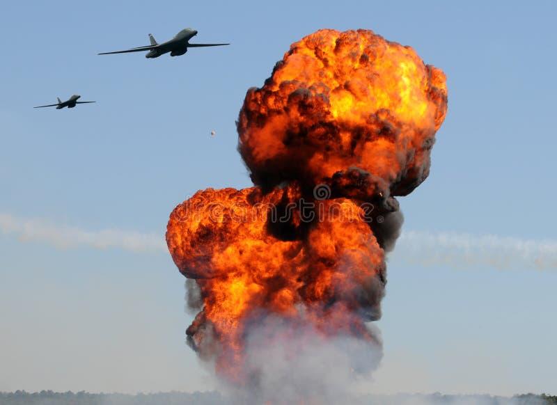 Bombardeiro pesado em uma missão fotografia de stock royalty free