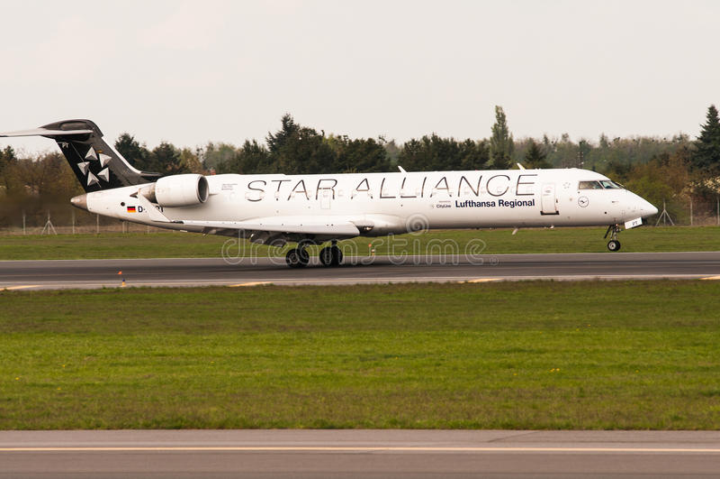 Bombardero CRJ-700 foto de archivo