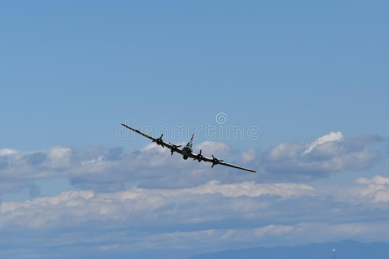 Bombardier lourd de forteresse de vol de B-17G images libres de droits