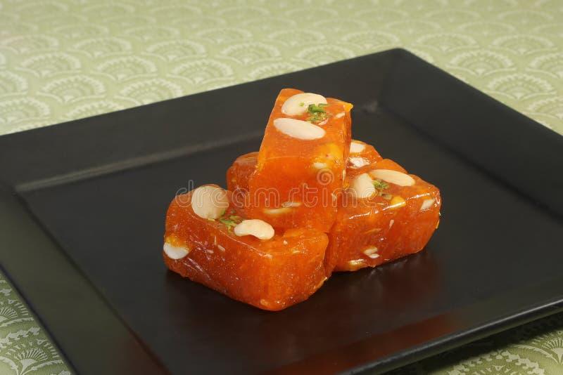 Bombay Karachi Halwa eller turkisk fröjd - indiska sötsaker royaltyfria bilder