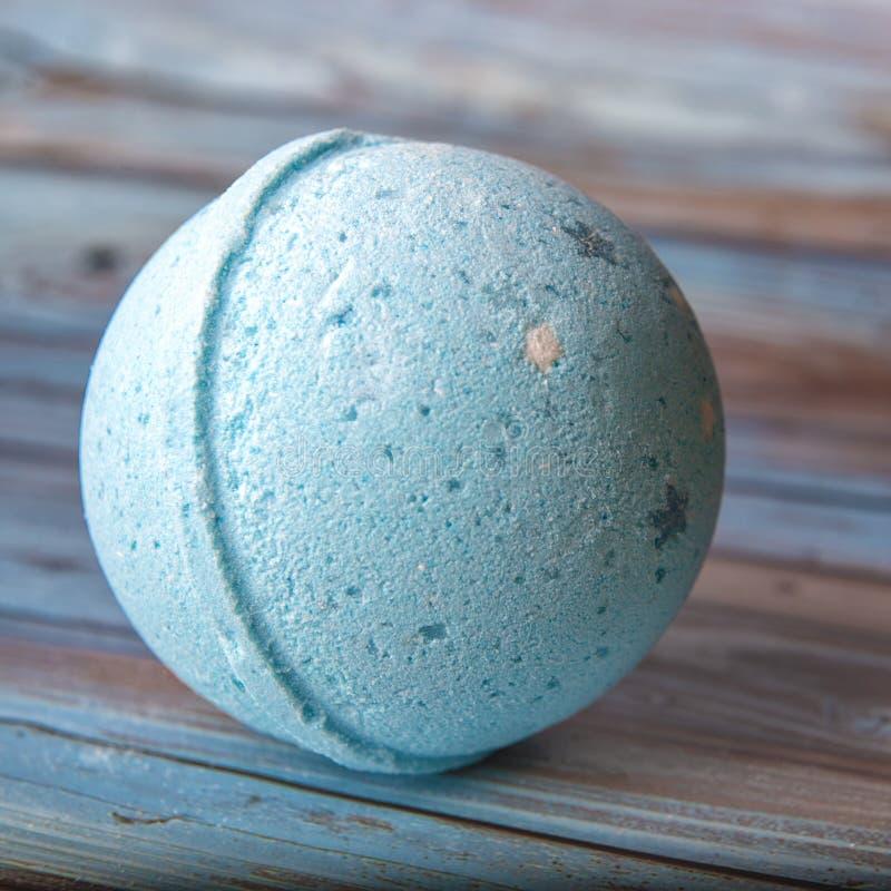 Bombe pour le bain Signifie pour la natation Boule cosmetic Station thermale photos stock