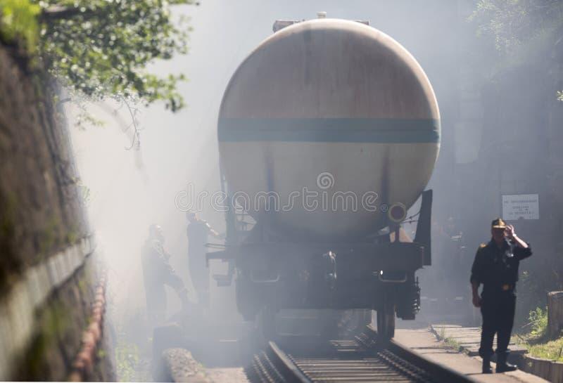 Bomberos del insmoke del tren del petrolero fotos de archivo