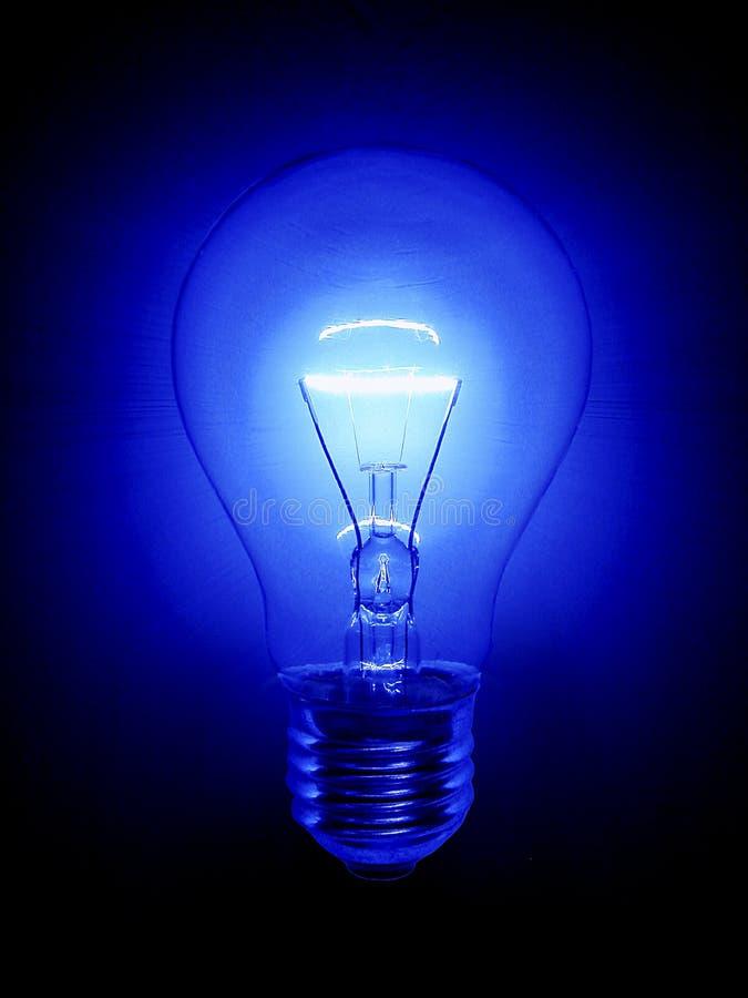 Bombilla azul imagen de archivo libre de regalías