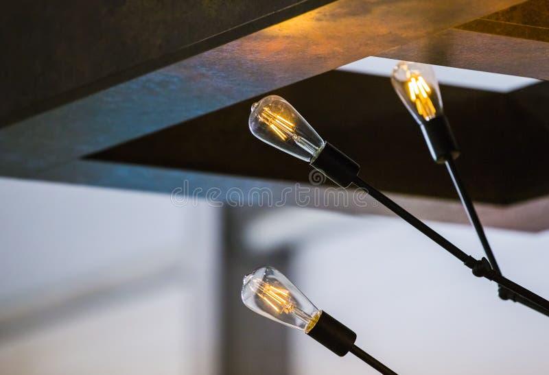 Bombilla Ciérrese para arriba de bombilla iluminada con el espacio de la copia foto de archivo libre de regalías