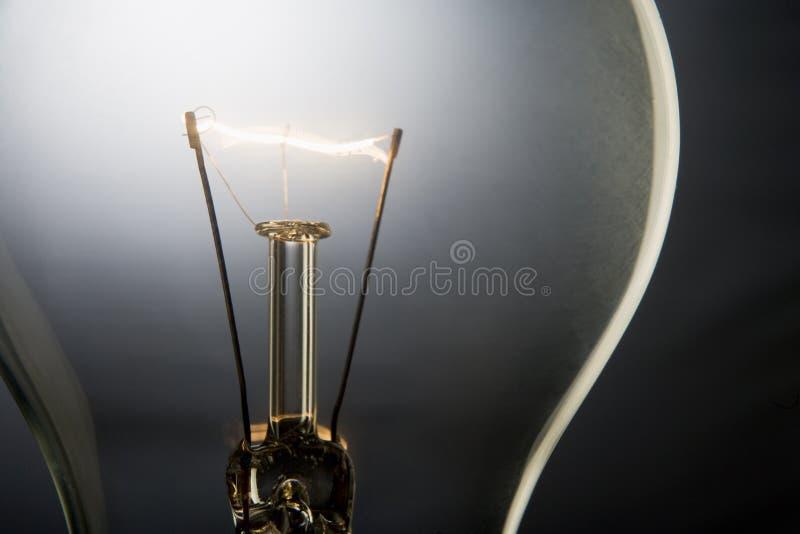 Bombilla iluminada imagen de archivo libre de regalías