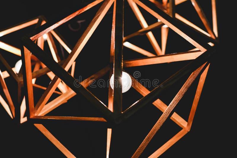 Bombilla y lámpara del estilo del vintage en estilo moderno Lig caliente del tono imágenes de archivo libres de regalías