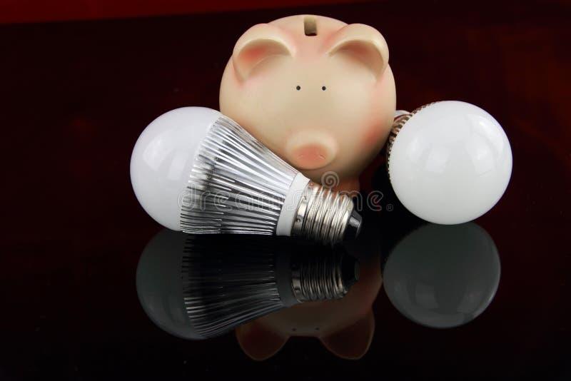 Bombillas del LED con la batería guarra foto de archivo libre de regalías