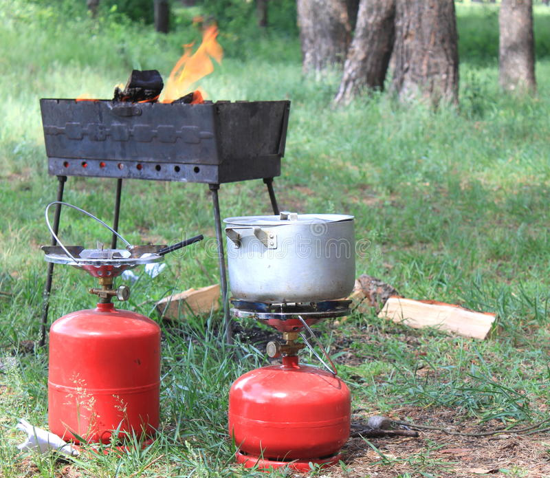 Bombola a gas e BBQ per cucinare immagine stock