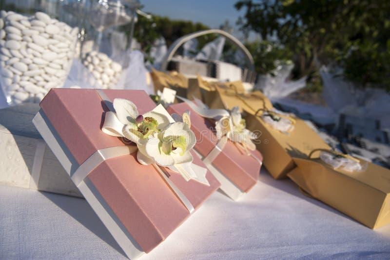 bomboniere cukierków confetti e przysługi obraz royalty free