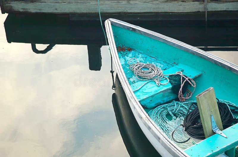 Bomma för hamnen Maine, segla utmed kusten område. arkivbilder