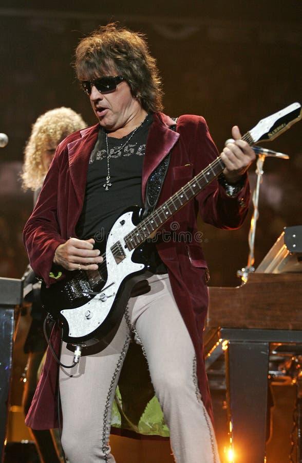 Bon Jovi exécute de concert photographie stock libre de droits