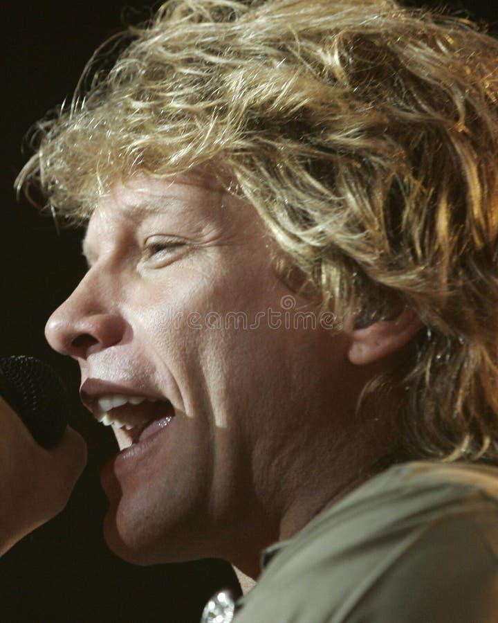 Bon Jovi presteert in overleg stock fotografie
