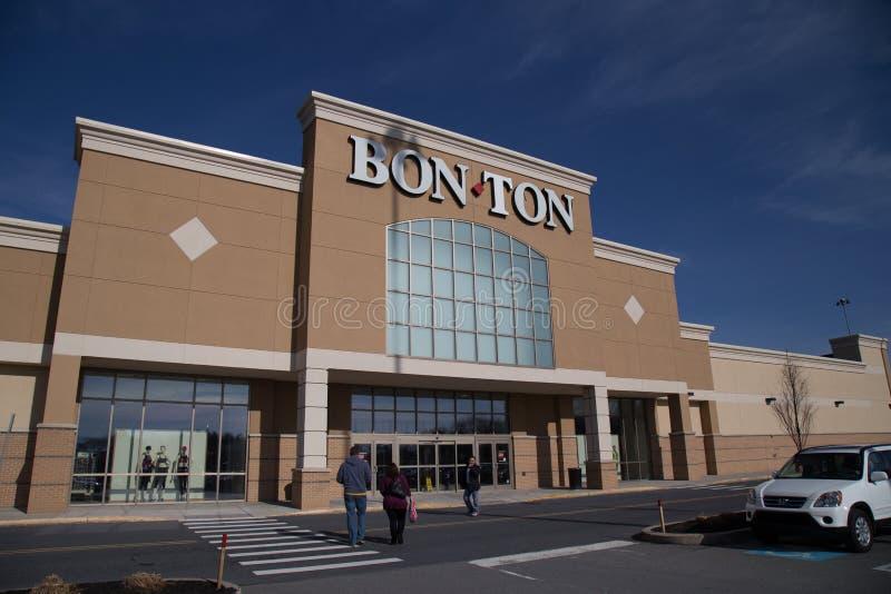Bon-Ton Exterior Retail Store Location image stock