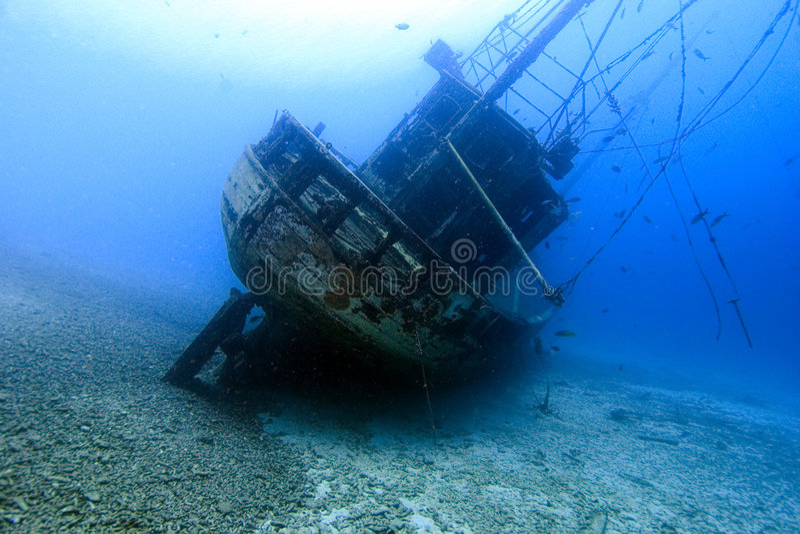 bonaire shipwreck underwater obrazy royalty free