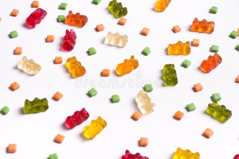 Bonbons assortis, sucettes - l'amusement ?tendent le fond d'image plat de conception image stock
